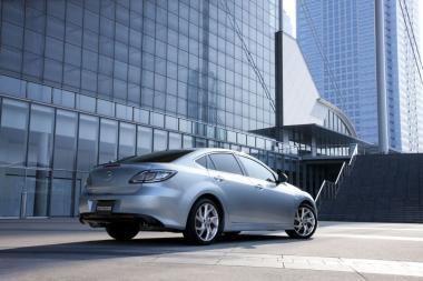 """Sėkmės formulės tęsinys – atnaujinta """"Mazda6"""""""