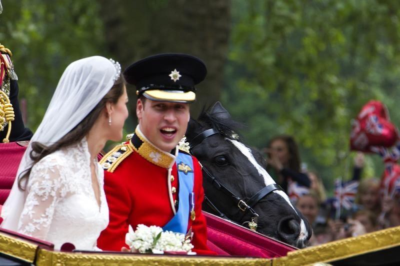Britanijos princas Williamas Kalėdas sutiks su savo žmonos tėvais