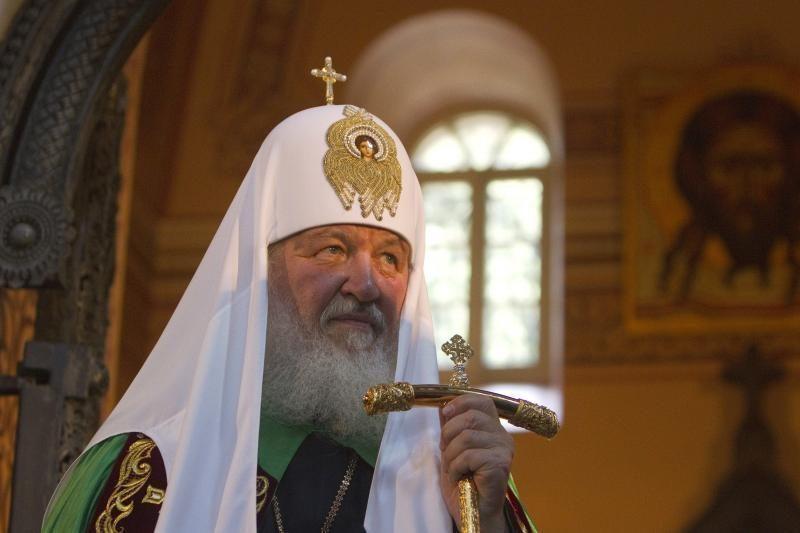"""Rusijos patriarchas smerkia """"pavojingą feminizmą"""""""