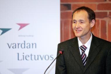 Paramą M.Adomėno institutui išrūpino P.Subačius?