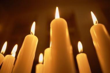 Romantika prie žvakių baigėsi gaisru