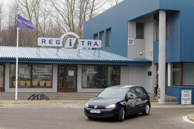 Egzaminų migrantai: vairuoti mokosi Vilniuje, teises laiko Utenoje