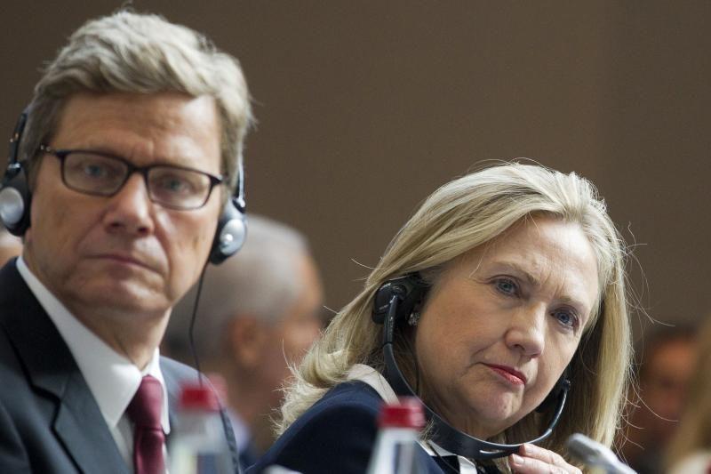 Clinton ragina JT rezoliuciją paremti sankcijomis