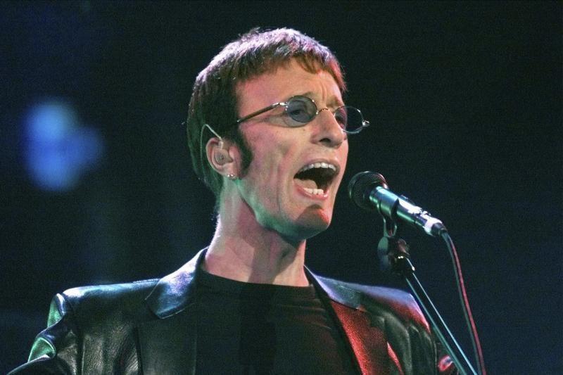 """Mirė 62 metų """"Bee Gees"""" dainininkas Robinas Gibbas"""