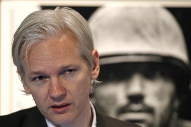 Kaltinimai Assangeui nesusiję su