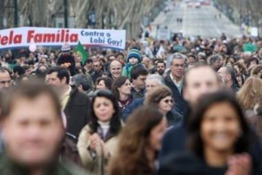 Portugalijoje šeimos protestavo prieš įteisintas homoseksualų santuokas