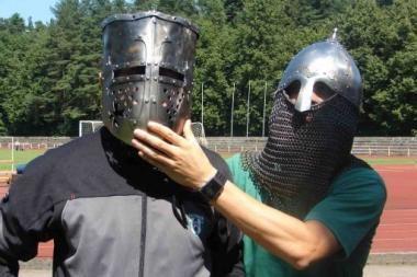 Žalgiriečiai jubiliejinėms rungtynėms ruošėsi treniruodamiesi su šarvais