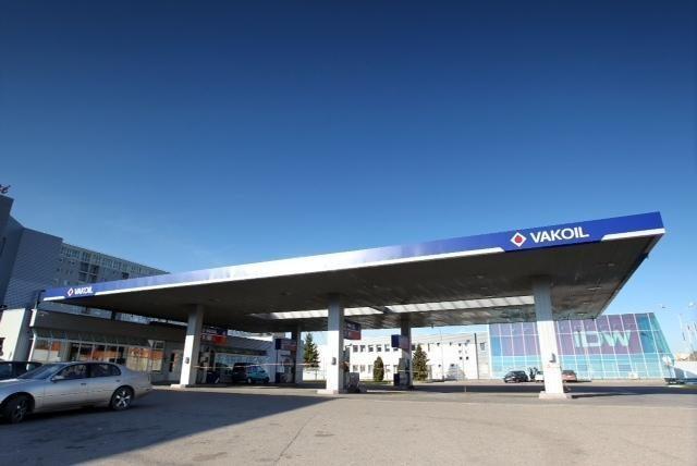 """""""Vakoil"""" Vilniuje atidarė automobilių plovyklą"""