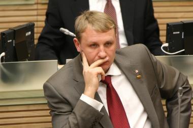 Vietoj Seimo posėdžių socialdemokratas A.Šedžius išvyko į užsienį