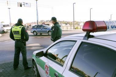 Policija prašo atsiliepti mačiusius eismo įvykį