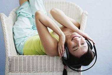 Moteriai už neteisėtą muzikos siuntimąsi internetu skirta 3,7 mln. litų bauda