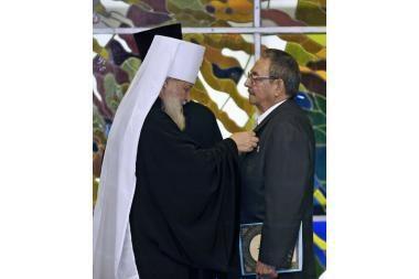 Rusų Ortodoksų Bažnyčia apdovanojo Kubos lyderius