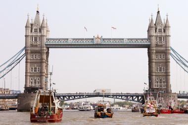 Su išpuoliais Indijoje siejami Didžiosios Britanijos piliečiai