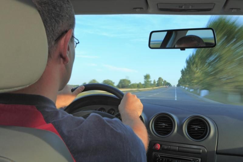 Vyrai vairuodami pervertina savo jėgas