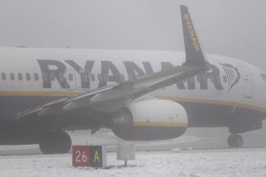 """Uždarius Rygos oro uostą, """"Ryanair"""" skrydžius nukreipė į Kauną"""