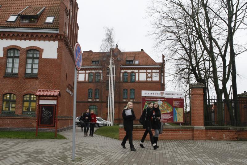 Klaipėdos universiteto garbės daktarų gretose – dar du profesoriai