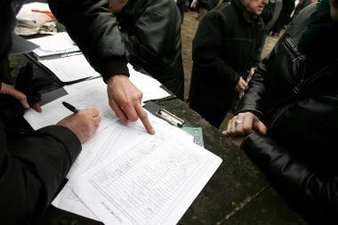 Prieš gėjų eitynes Vilniuje kovojama ir žmonių parašais