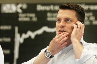 Šimtai milijardų įkvėpė finansų rinkas