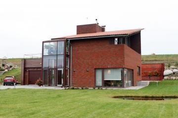 Namai Vilniuje ir Klaipėdoje kainuoja brangiau nei Taline