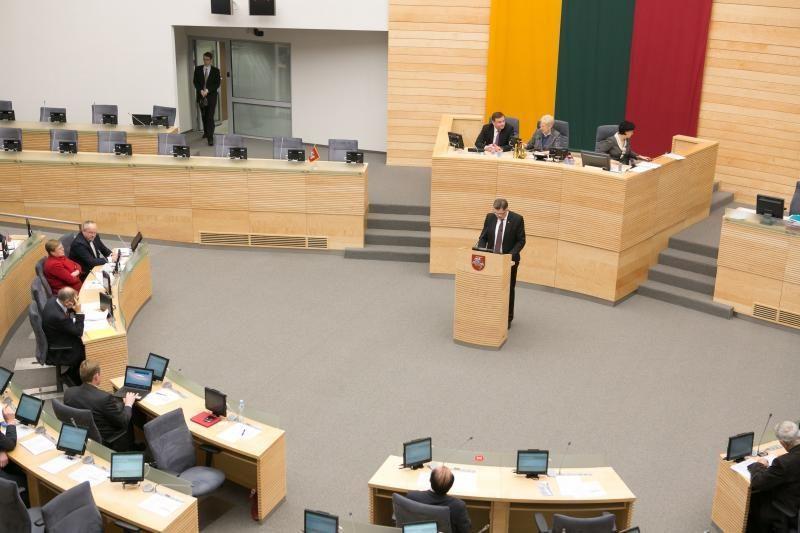 Valstybinę lietuvių kalbą siūloma reglamentuoti konstituciniu įstatymu