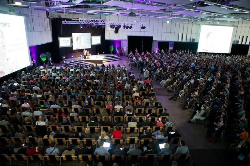 """Lietuviai """"IQ Polls"""" siūlys pasaulinio lygio konferencijoms"""