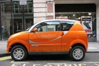 Elektromobiliai kelia pavojų pėstiesiems