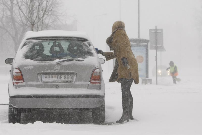 Dėl pūgos eismo sąlygos šalyje sudėtingos
