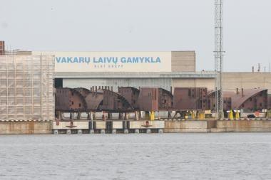 """""""Vakarų laivų gamykla"""" pradeda sausakrūvių laivų statybas"""
