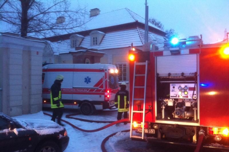 Vilniuje  per gaisrą  nukentėjo  senolė
