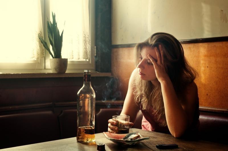 Naujas tyrimas įrodė: rūkymas apsunkina pagirias