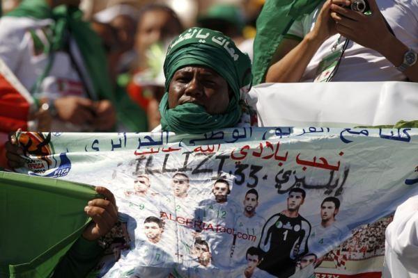 Alžyras palaidojo prezidentą, laikomą tautos didvyriu