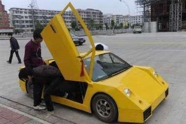 """Lamborghini"" – kino rankomis"