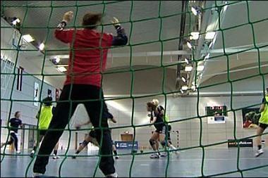 Moterų rankinio lygoje - šešios komandos