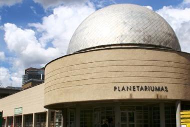 Vilniaus planetariume šeštadienio vidudieniais – naktinis dangus