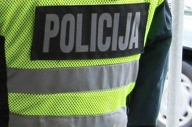 Rokiškio rajone girtas dviratininkas užpuolė policininkus