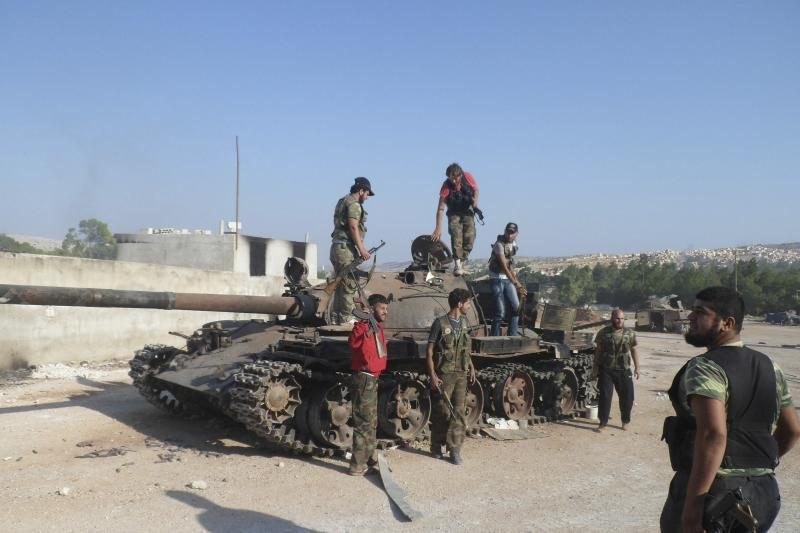 """Sirijos sukilėliai pradeda """"lemiamą"""" mūšį Alepe"""