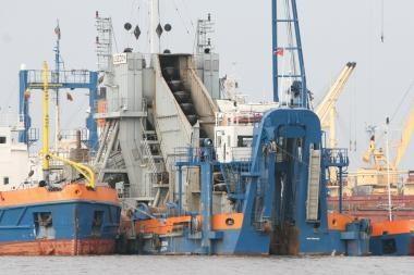 Uostas baigia nutraukti sutartis su