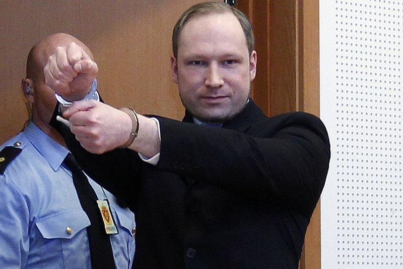 """Norvegijoje siautėjęs žudikas prašo teismo jį """"nedelsiant paleisti"""""""
