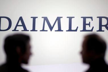 """Automobilių gamintojas """"Daimler"""" papirkinėjo įvairių šalių vyriausybes"""