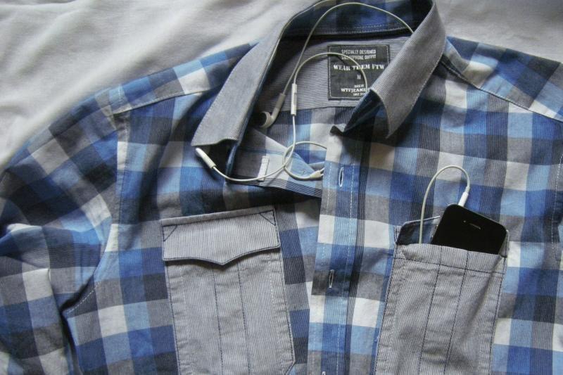 Naujas mados klyksmas: drabužiai išmaniesiems telefonams (foto)