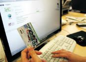 Lietuviai užsienyje išmoko melžti Lietuvos bankus
