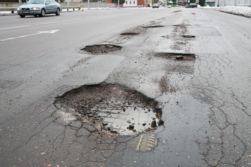 Vilniaus gatvės be duobių – misija neįmanoma
