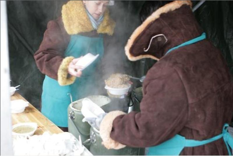 Teatro aikštėje - tradicinis labdaros renginys su žuviene
