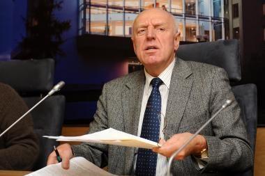 Socdemai norėtų bausti J.Jagminą už balsavimą prieš pirmalaikius rinkimus