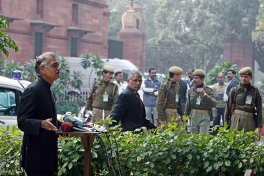 Teroro išpuoliai verčia iš postų Indijos politikus