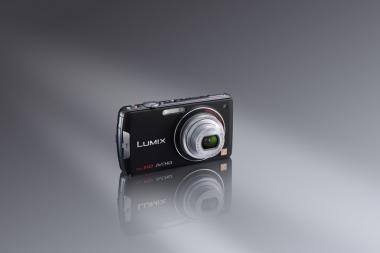 """""""Panasonic"""" LUMIX FT ir FX serijų fotoaparatai"""