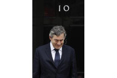 Britų premjerui – problemos dėl netakto