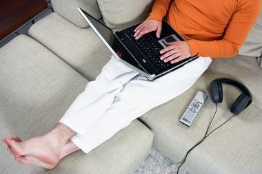 Nuolat laikyti nešiojamąjį kompiuterį ant kelių gali būti pavojinga