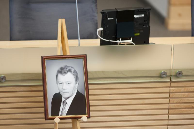 Seimo narys J.Palionis palaidotas Prienų rajone