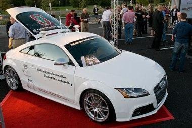 """""""Audi"""", kuriam nereikia vairuotojo"""